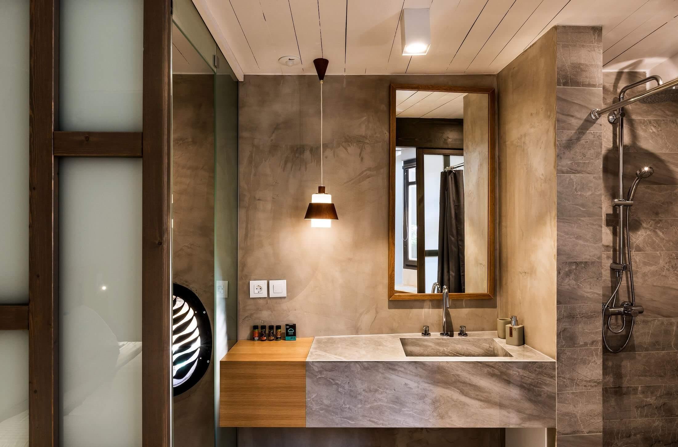 Hotel Off Suite Bathroom